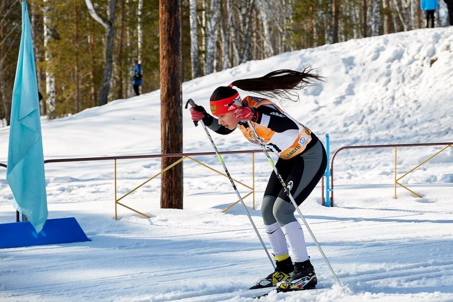 """Командной победой для юных """"егоровцев"""" завершились соревнования по лыжным гонкам среди спортивных школ Томской области"""