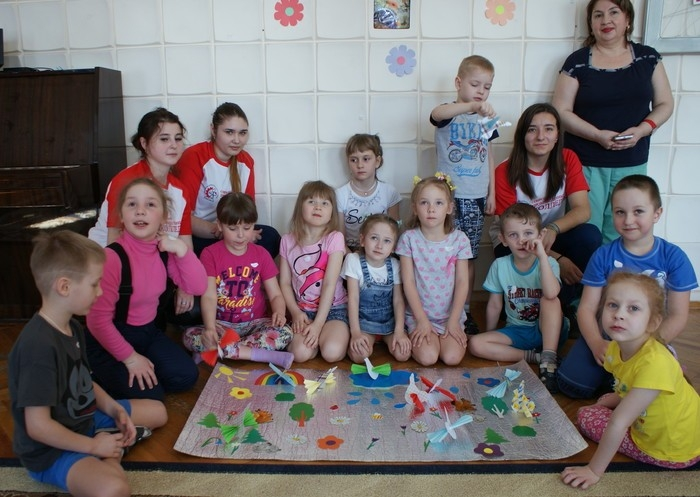 Волонтеры приняли участие в благотворительной акции «Дети - наше всё»