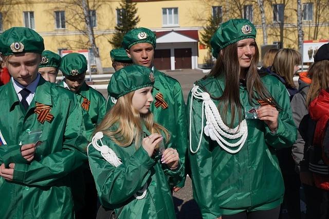 В День призывника школьники вступили в ряды юнармейцев