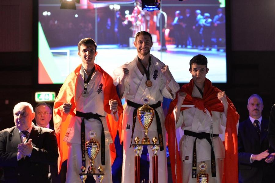 Северчане завоевали золотые медали на Чемпионате Мира по киокусинкай