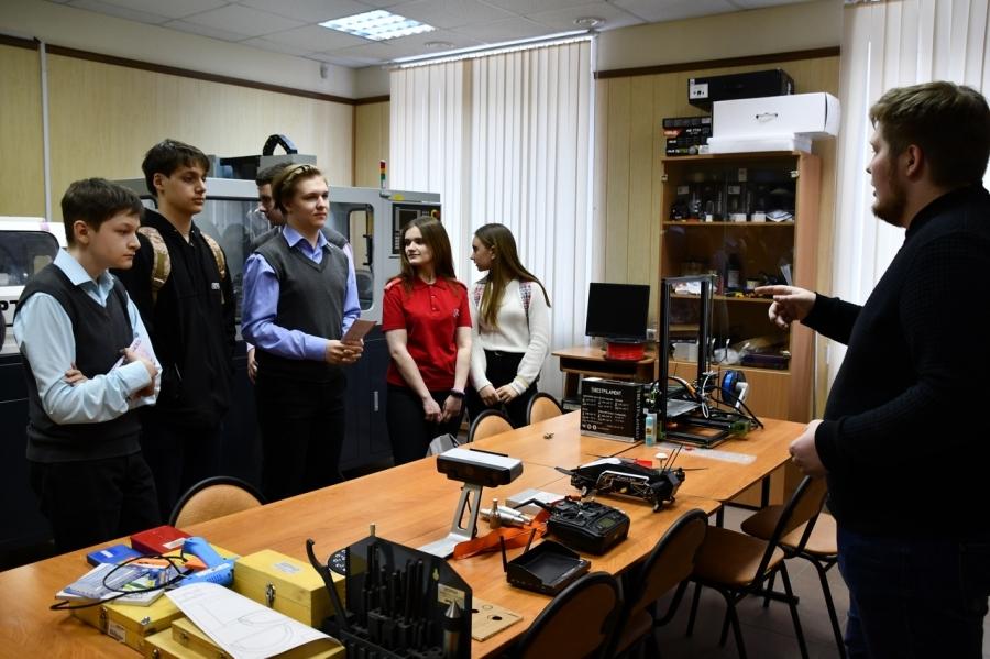 Юнармейцы школы № 76 посетили мастер-класс по 3D-печати и лазерной резке «Режь, печатай, собирай!»