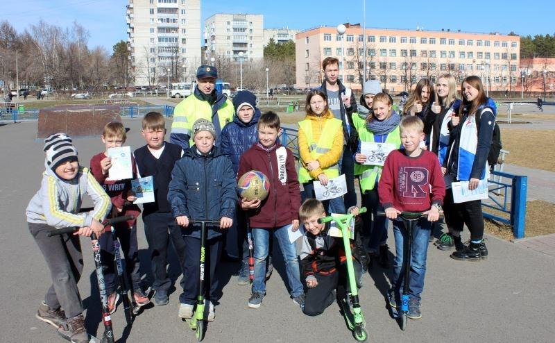 В преддверии летнего сезона сотрудники ГИБДД напомнили юным велосипедистам о правилах безопасности