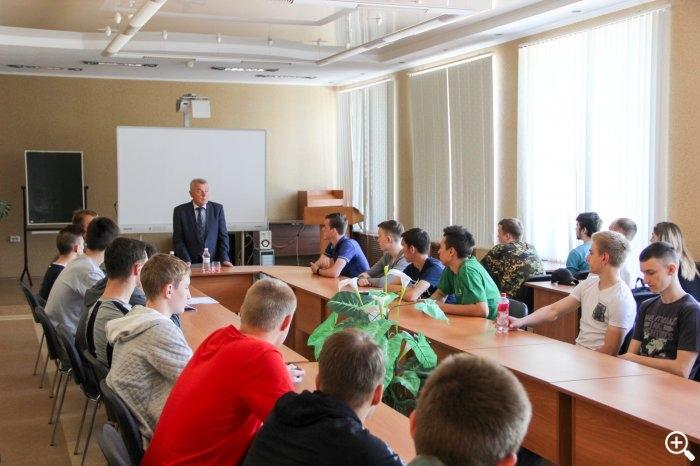 Мэр встретился с первокурсниками СПК