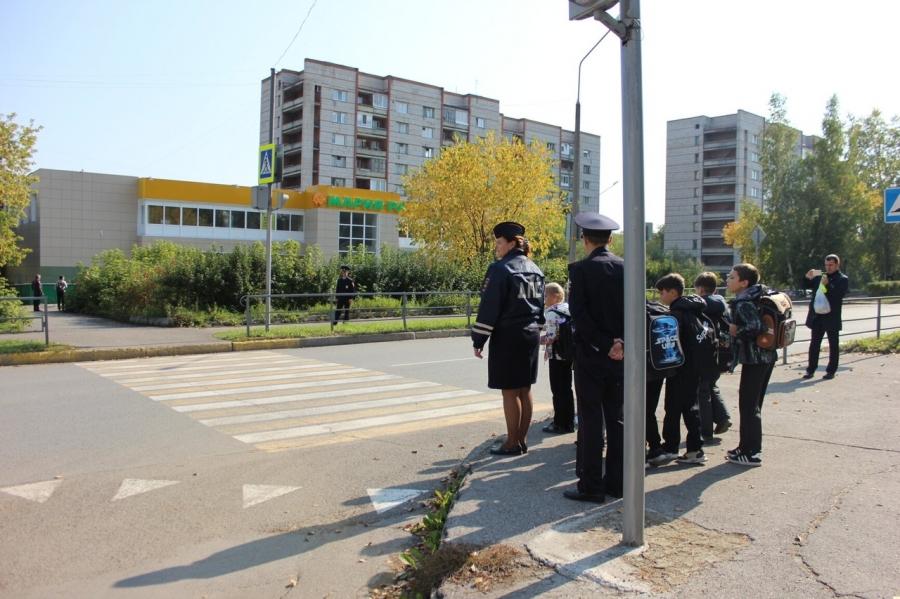 Сотрудники Госавтоинспекции провели акцию «Мой безопасный путь домой»