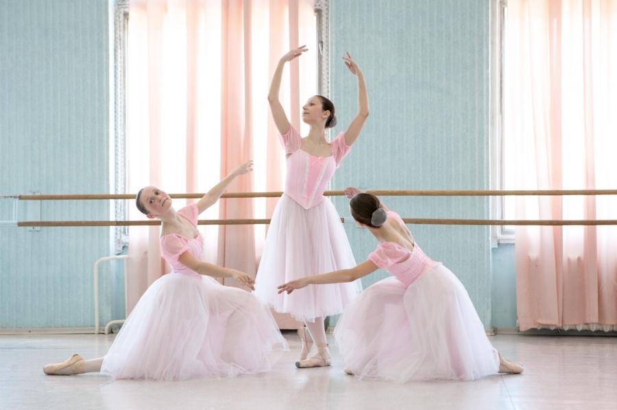 """""""Студия Классического балета"""" при Северском музыкальном театре проводит набор детей в возрасте 7-10 лет"""