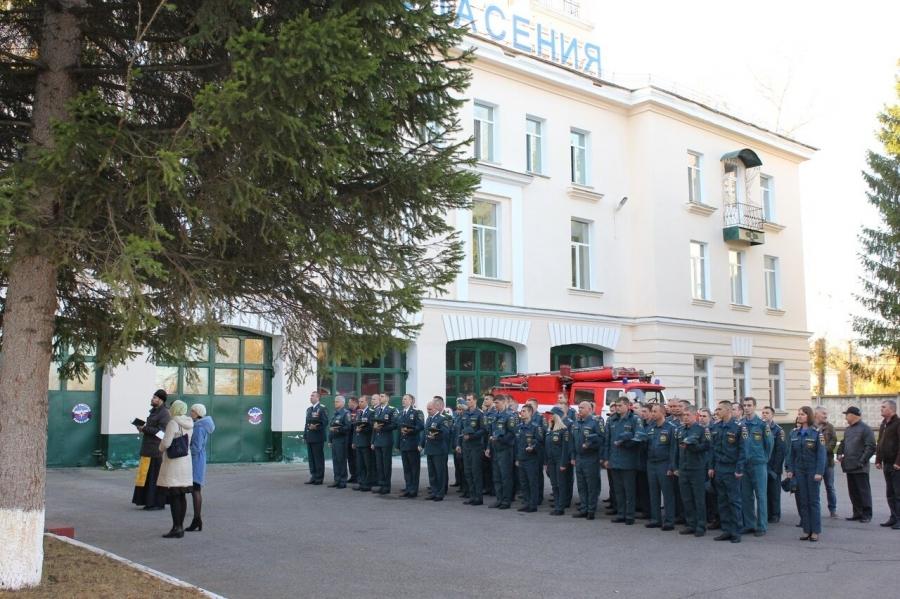 Северские пожарные-новобранцы приняли участие в молебне великомученику Георгию Победоносцу