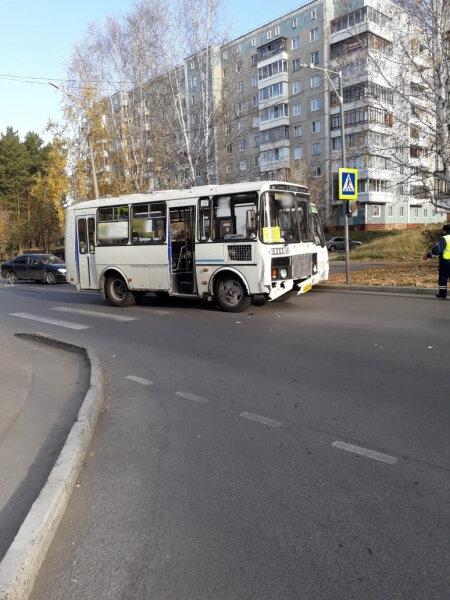 Автобус сбил девушку на «зебре»