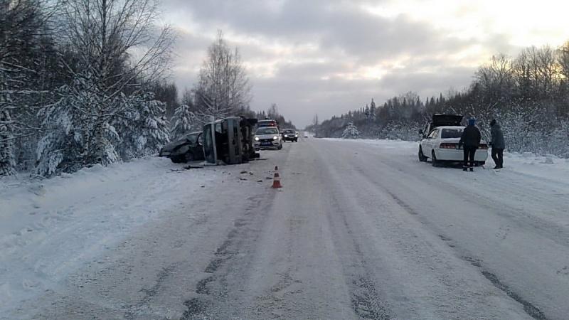 На трассе Томск-Самусь в лобовом столкновении пострадали 5 человек