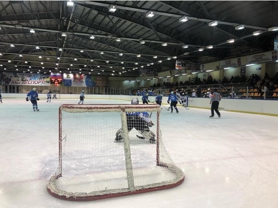 """Команда """"Смена-2002"""" продолжает свой первый турнирный путь в Юниорской хоккейной лиге"""