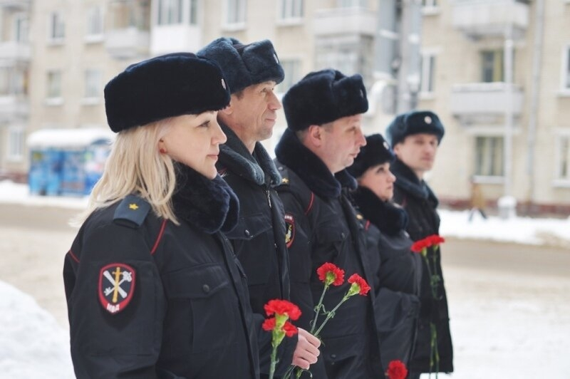 Полицейские почтили память погибших коллег