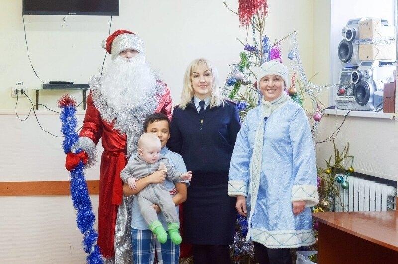 Полицейские совместно с общественниками посетили «Центр матери и ребенка»