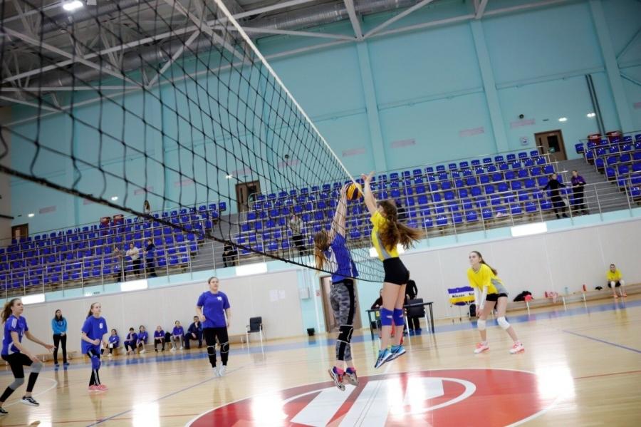 Учащиеся школы № 198 выиграли Первенство по волейболу среди девушек