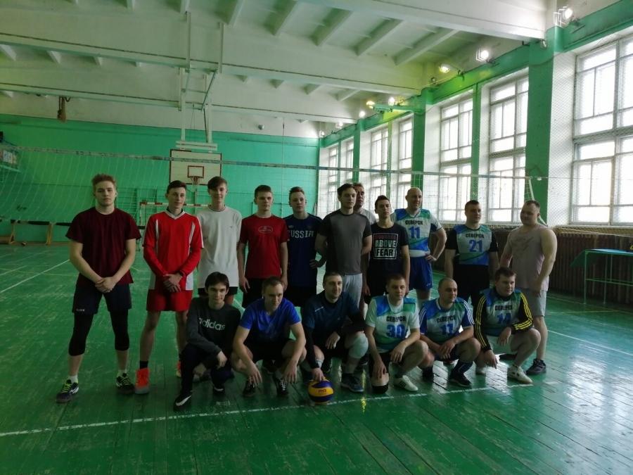 Студенты СПК и сотрудники северской полиции сыграли в волейбол
