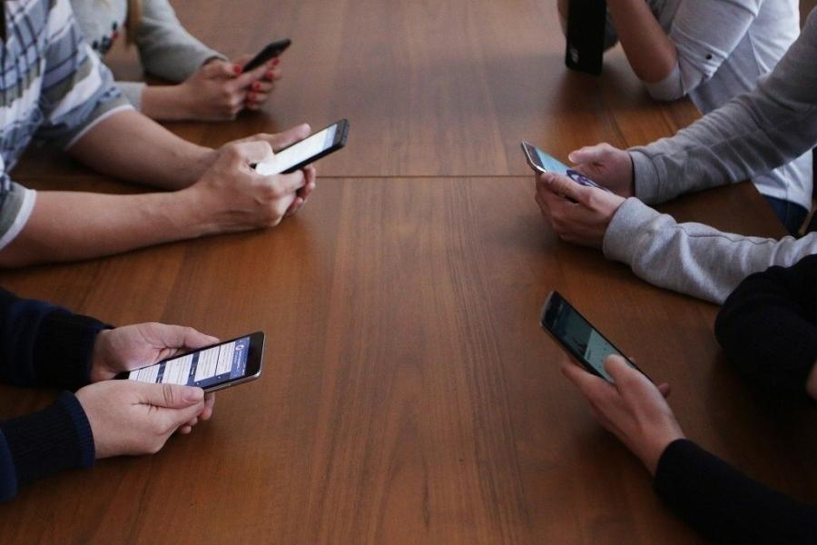 Томский губернатор обязал чиновников реагировать на обращения граждан в социальных сетях