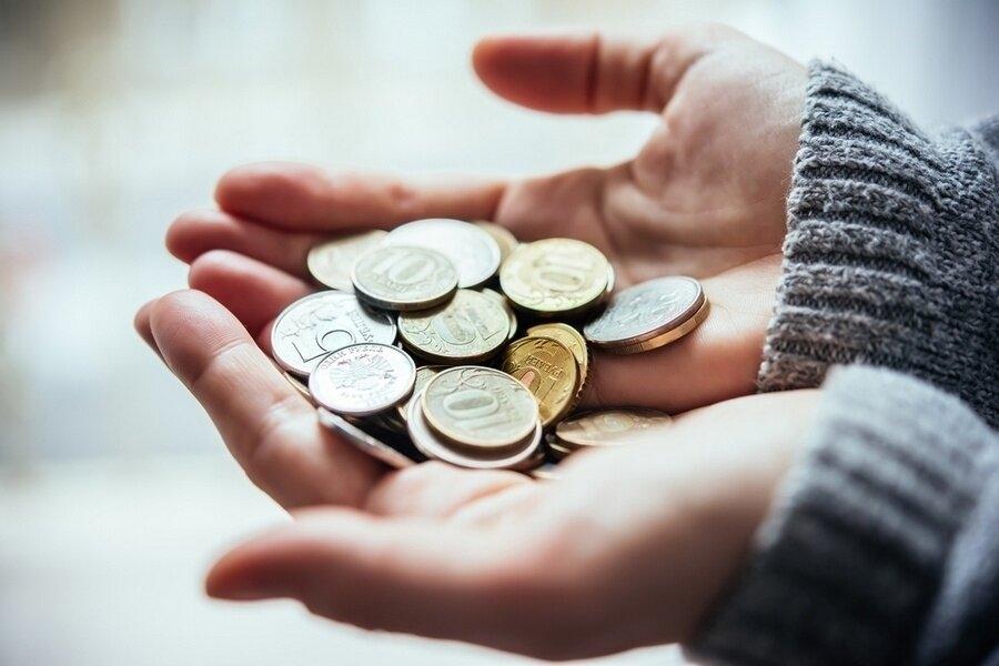 У 45% россиян снизилась зарплата