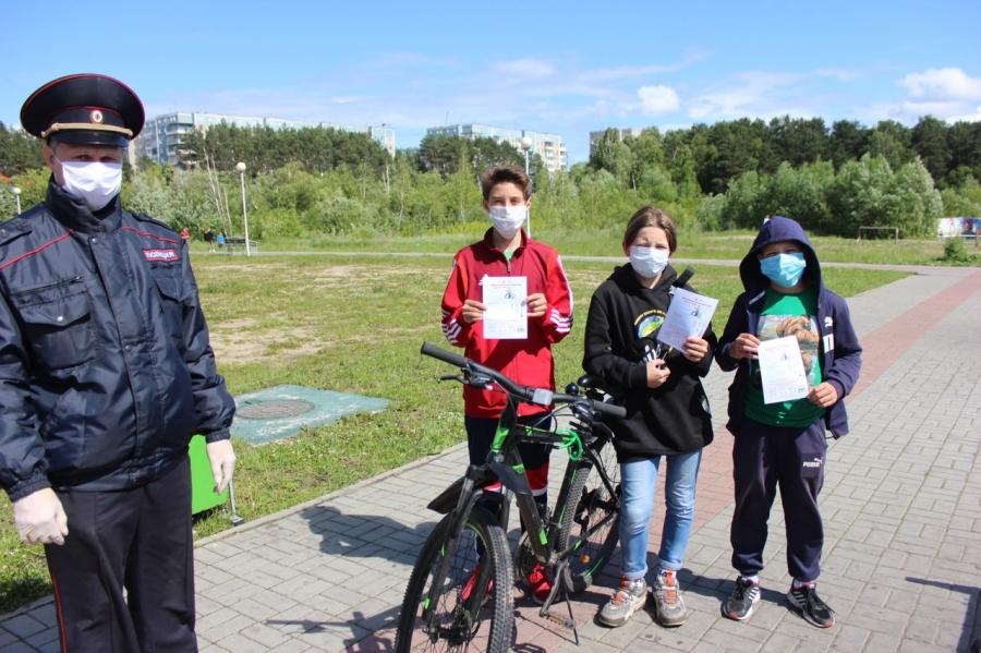 Сотрудники Госавтоинспекции провели акцию «На велосипеде без ДТП»