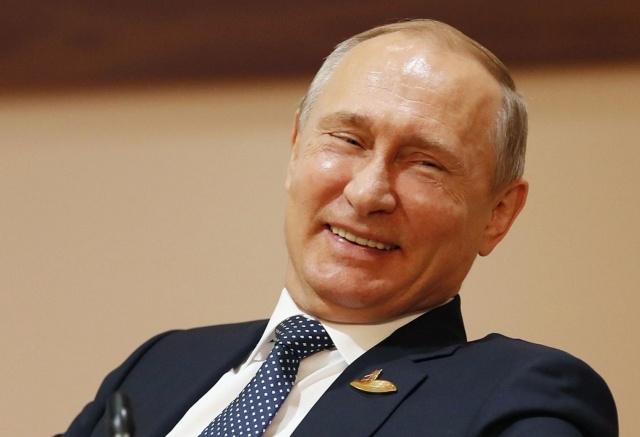 """Путин призвал не допустить """"принудиловки"""" и """"накрутки явки"""" во время голосования по поправкам к Конституции"""