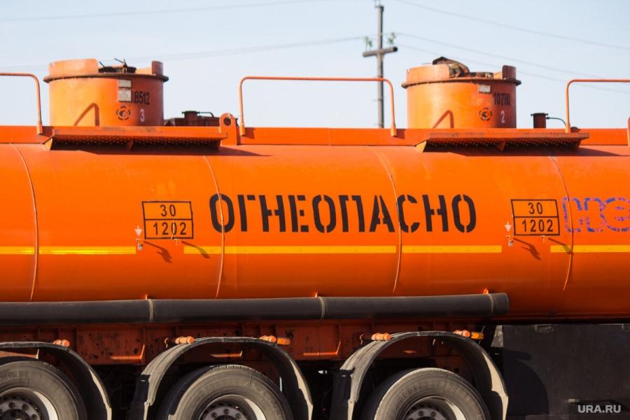 ФАС заподозрила 3 фирмы в сговоре при закупках бензина в Северске