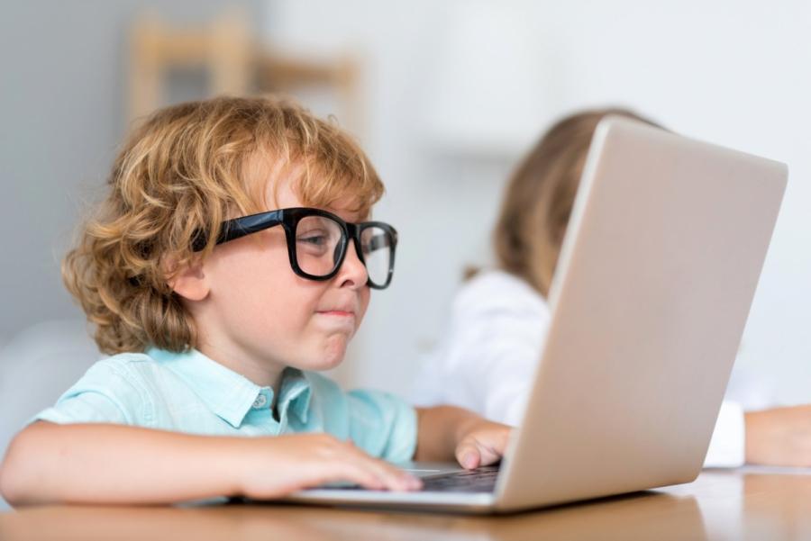 Для школьников открыта регистрация на фестиваль по программированию