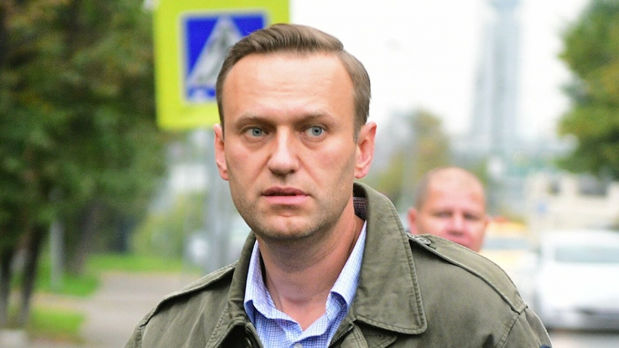 Самолет Томск — Москва с Навальным на борту вынужденно сел в Омске из-за отравления оппозиционера