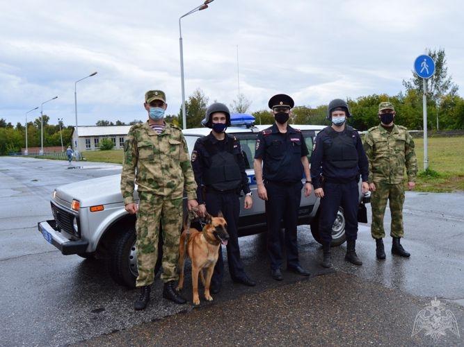 Росгвардейцы и полицейские провели совместное занятие по отработке действий при совершении теракта