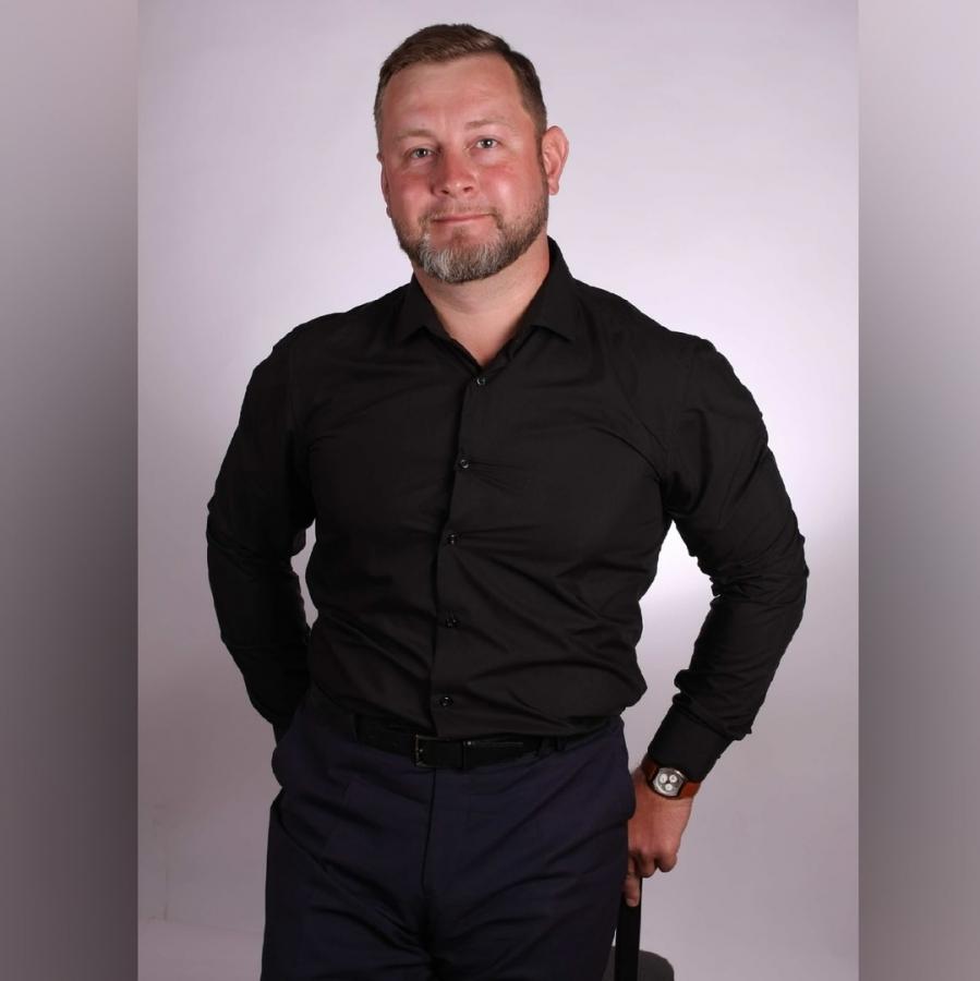 Кандидат в депутаты Игорь Цветков