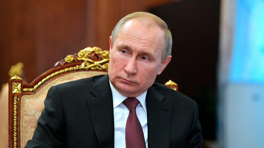 Путин призвал соблюдать меры борьбы с COVID-19 для избежания новых ограничений
