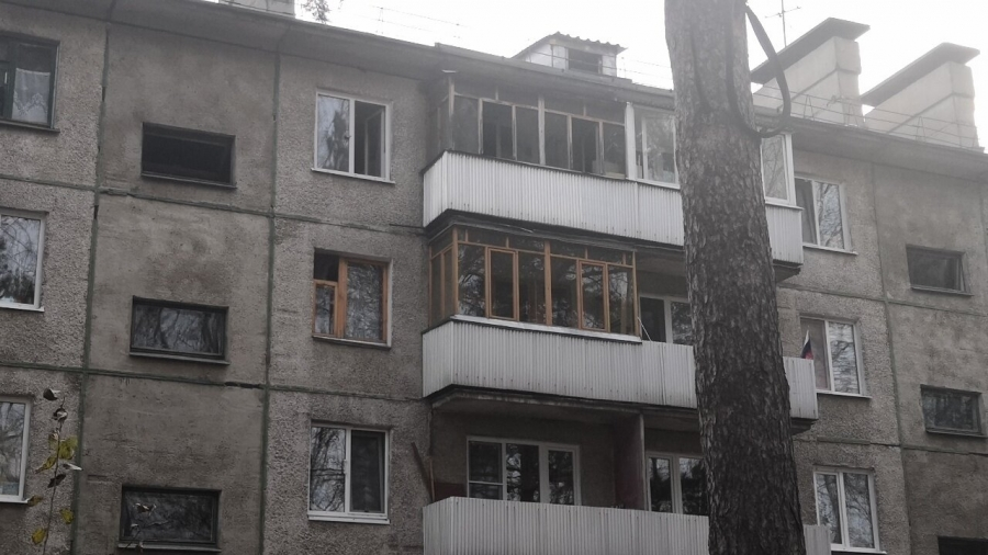 Пожилые мужчина и женщина погибли при пожаре на улице Лесной