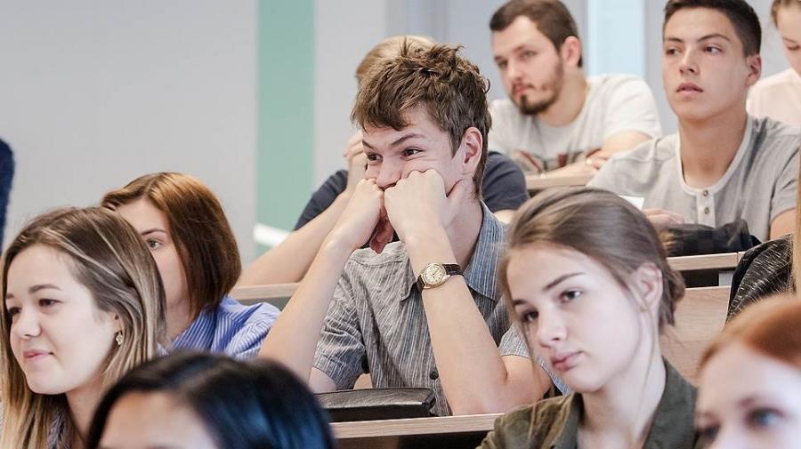 Студенты колледжей и техникумов продолжат обучение очно