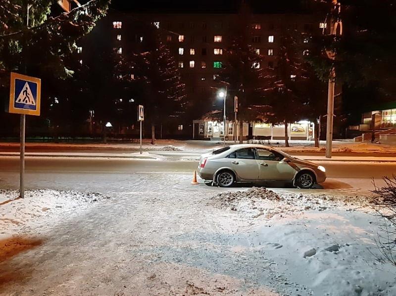 Женщина попала под колеса автомбиля на пешеходном переходе