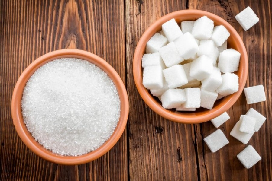 В РФ предложили ввести акцизы на продукты с избыточным содержанием сахара и соли