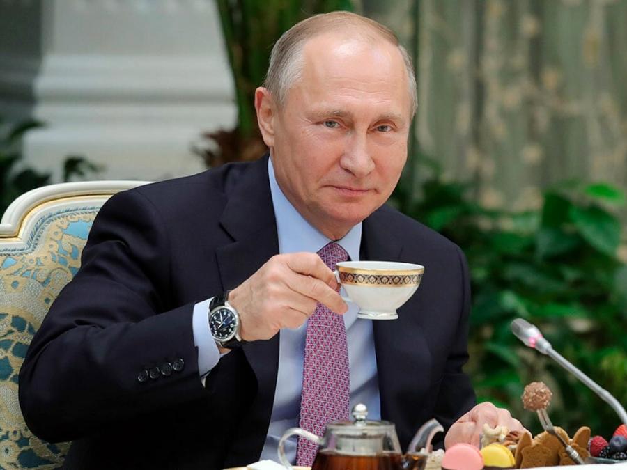 Путин пообещал семьям с детьми выплаты по 5000 рублей к Новому году