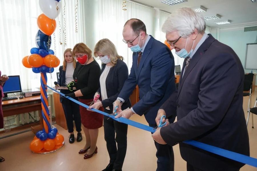 В школе № 196 открылся межшкольный сетевой центр компетенций «Атом-Класс»