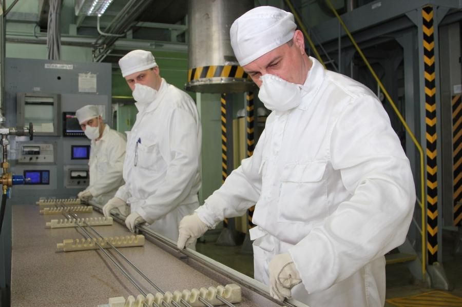 Средняя численность персонала на СХК составляет 3211 человек
