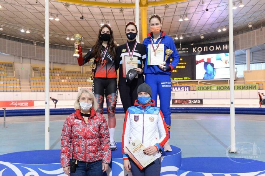 Валерия Сороколетова завоевала 4 медали на Первенстве России по конькобежному спорту