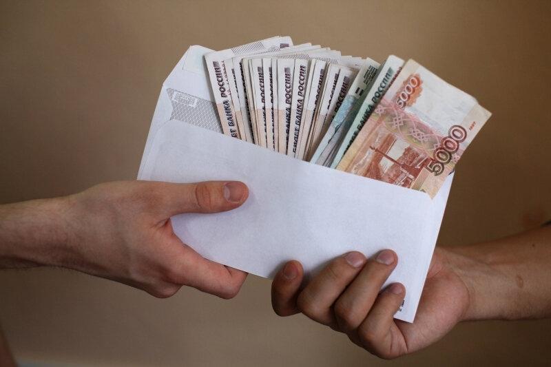 Почти 30% томичей получают зарплату в конвертах