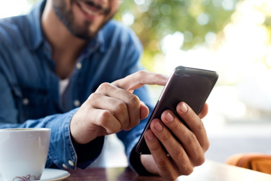 При покупке дорогостоящего смартфона житель Северска лишился 70 000 рублей, попав на мошеннический сайт-двойник