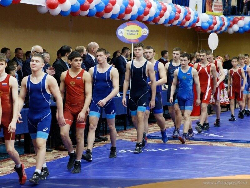 Северские борцы завоевали две медали всероссийского юношеского турнира