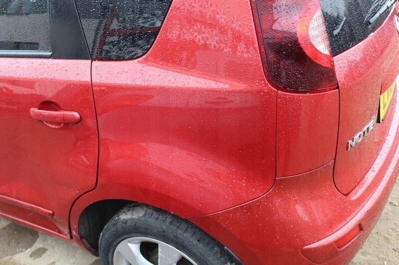 Неизвестный водитель скрылся после ДТП во дворе