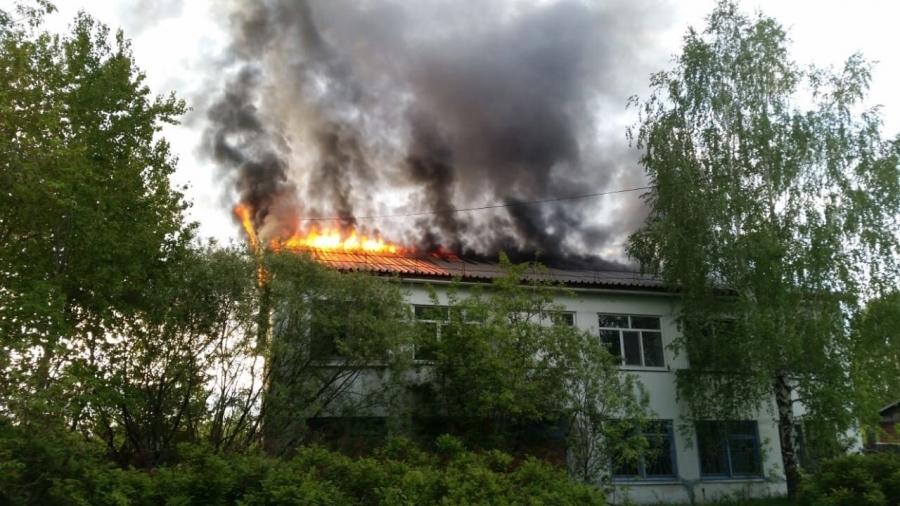 30 мая произошел пожар в неэксплуатируемом строении в СНТ «Мир»