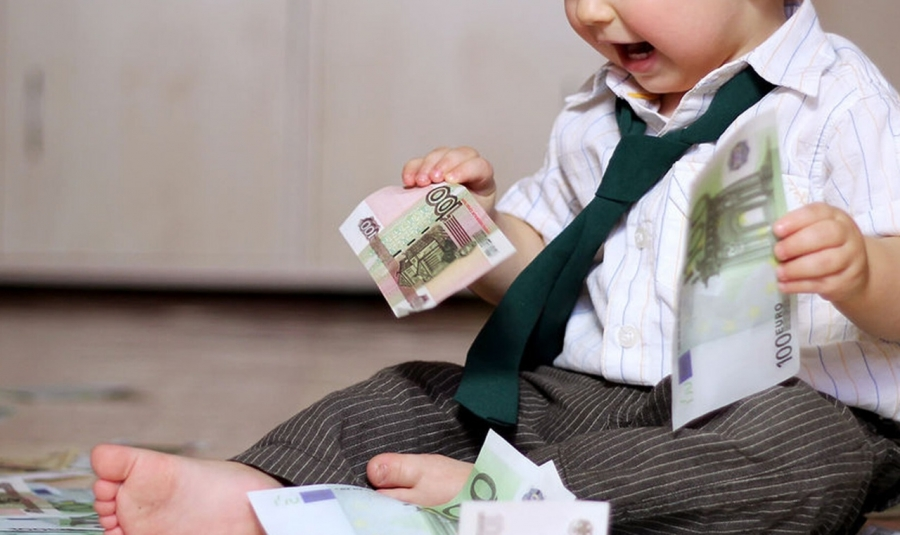Региональные выплаты семьям с детьми продлены автоматически до 1 октября