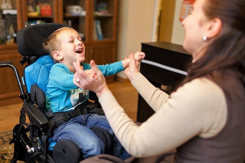 «Мэри Поппинс» пришла на помощь семьям с детьми-инвалидами