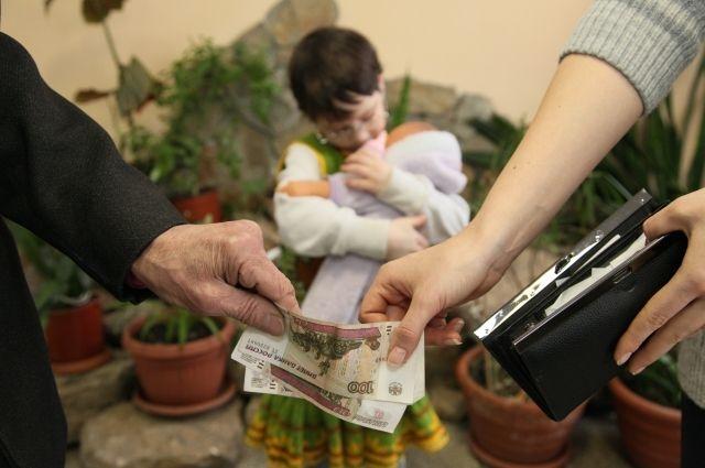 С начала 2021 года судебными приставами Томской области на содержание детей взыскано более 175 миллионов рублей