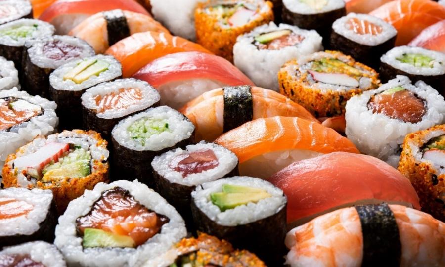 Инфекционист назвал суши смертельно опасным блюдом