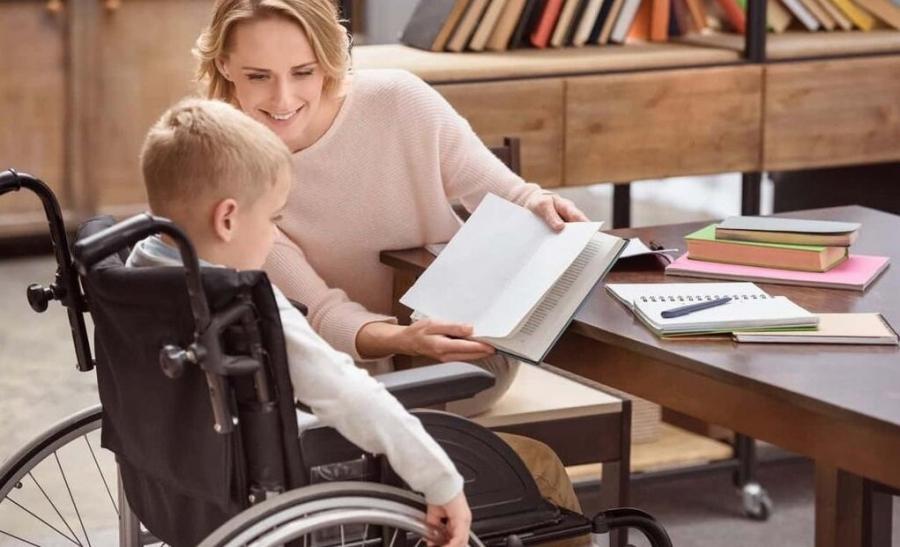 В Северске появилась услуга «Мэри Поппинс» по временному уходу за ребенком-инвалидом на период занятости родителей