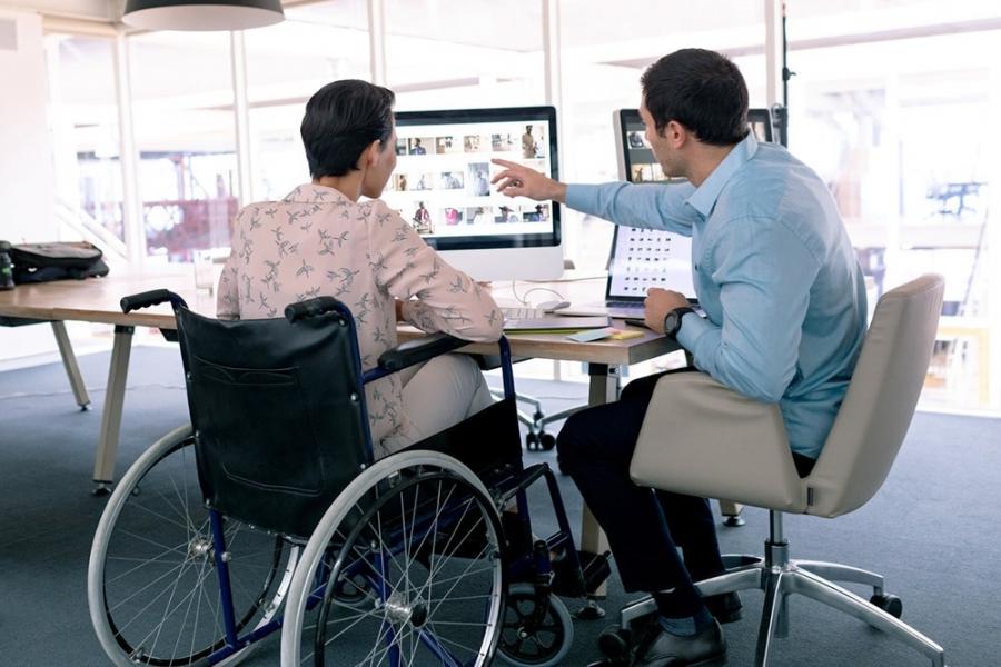 Более 800 работодателей Томской области приняли в штат людей с инвалидностью