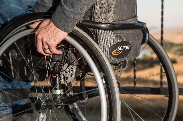 В Северcке обеспечен беспрепятственный доступ инвалида в помещение аптеки на проспекте Коммунистическом