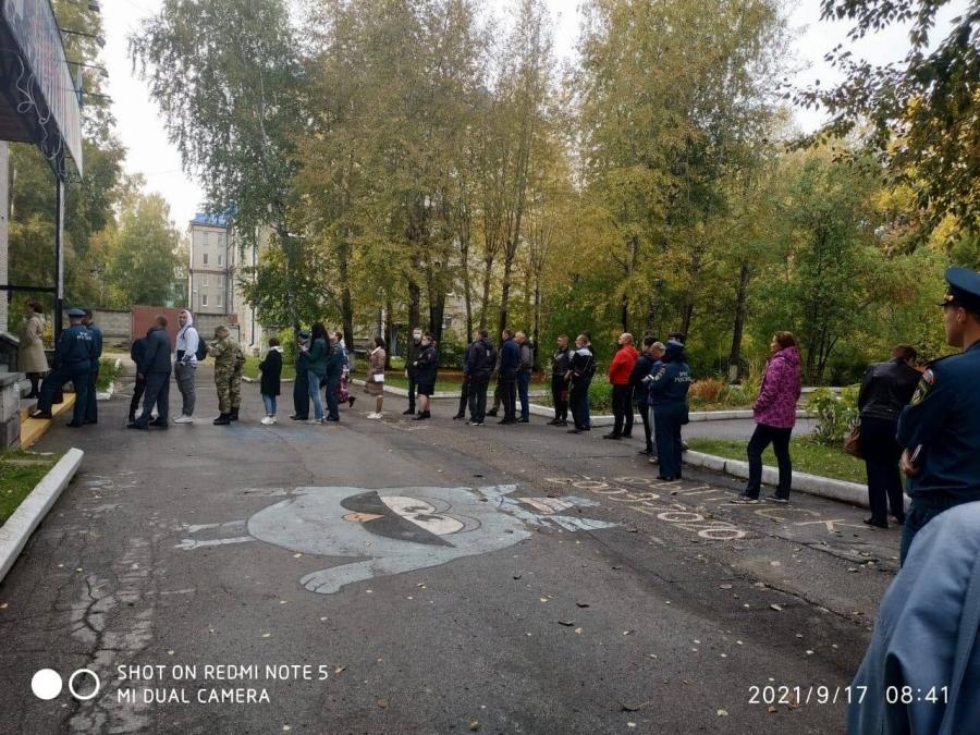 В Северске выстроились очереди из желающих проголосовать