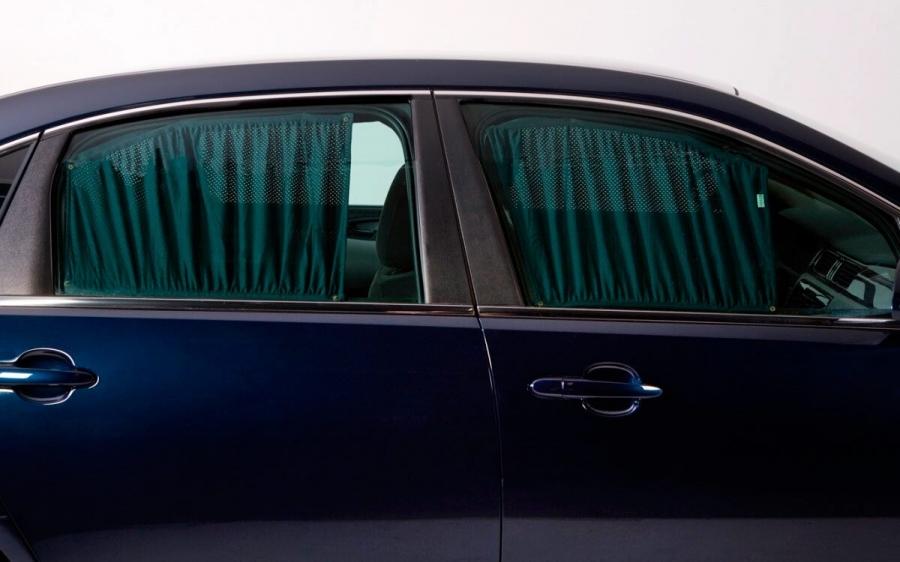 В России ужесточили наказание за шторки и каркасные сетки в авто